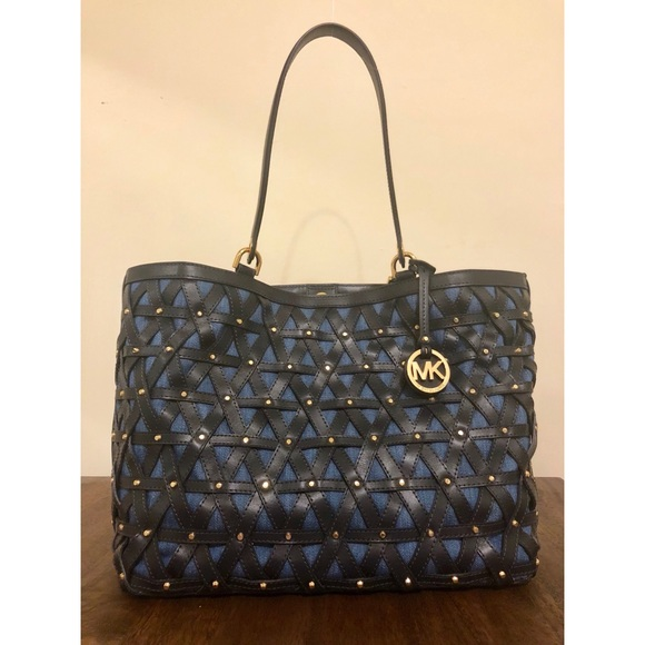 2a46b12267a6 Michael Kors Brooklyn Large Leather Denim Tote. M 5aa074be739d486df666c4ee